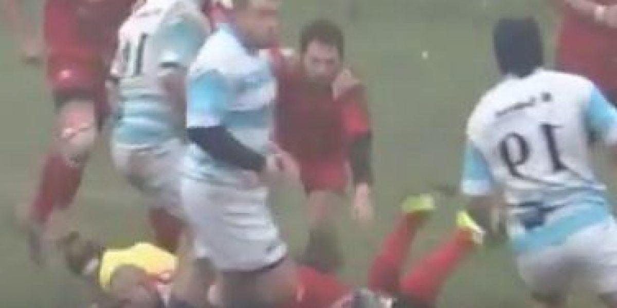 VIDEO: Jugador de rugby agrede a árbitro mujer