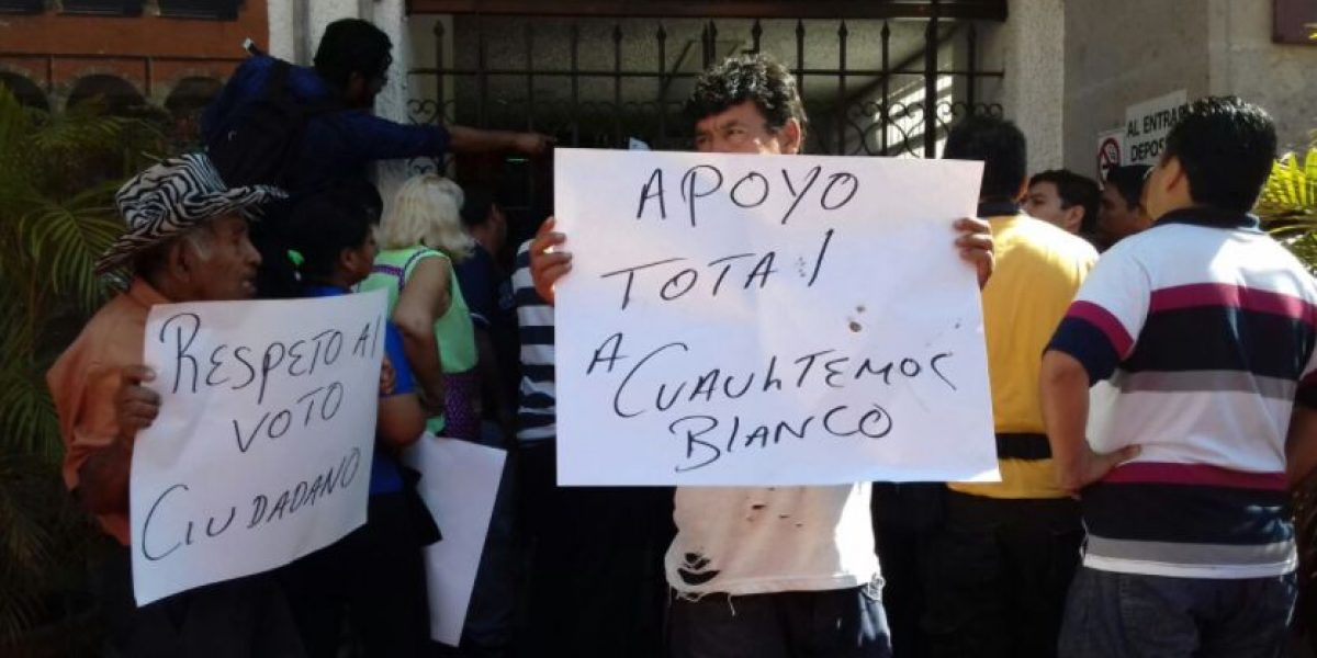 Comerciantes toman Ayuntamiento de Cuernavaca en apoyo al