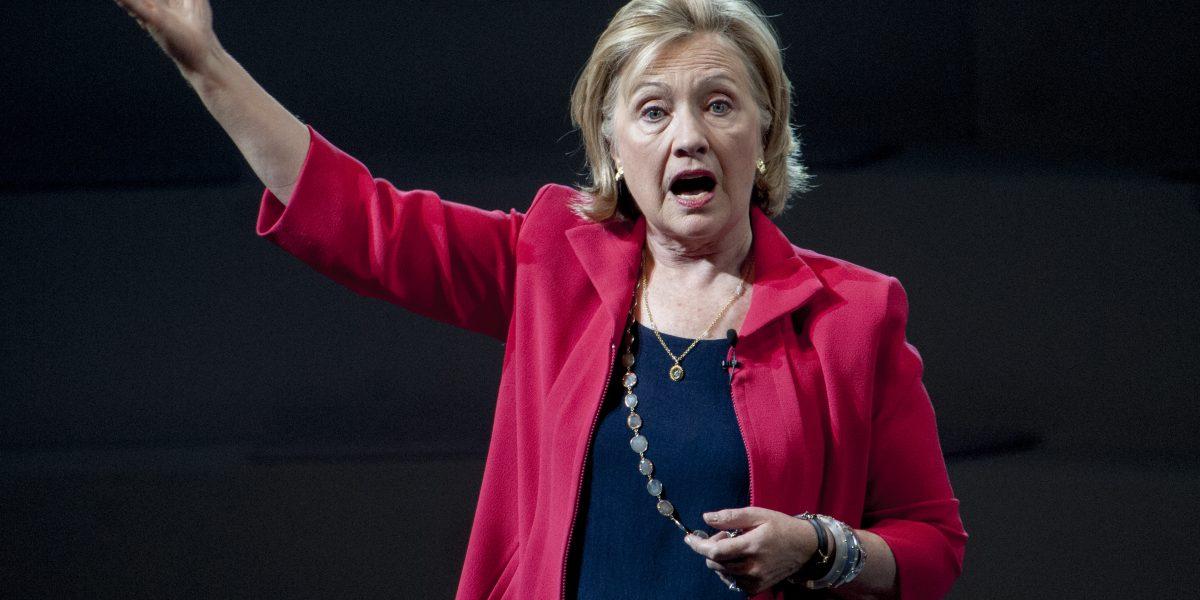 Hillary Clinton culpa al presidente Vladimir Putin y al FBI de su derrota