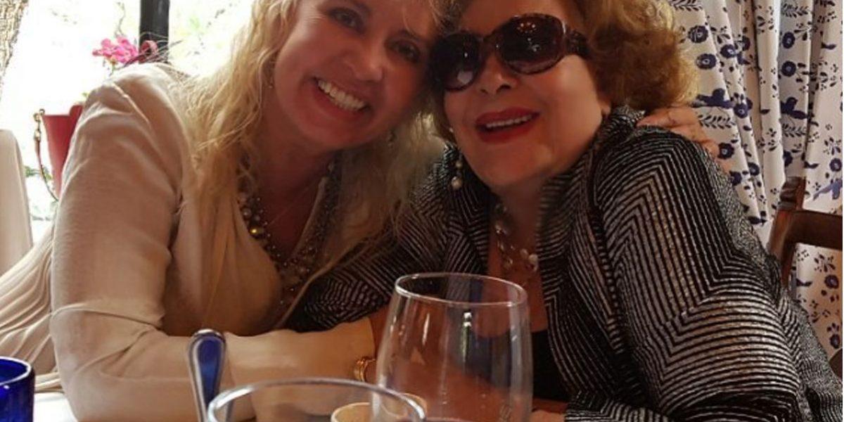 Carla Estrada trabaja en guión de serie sobre Silvia Pinal