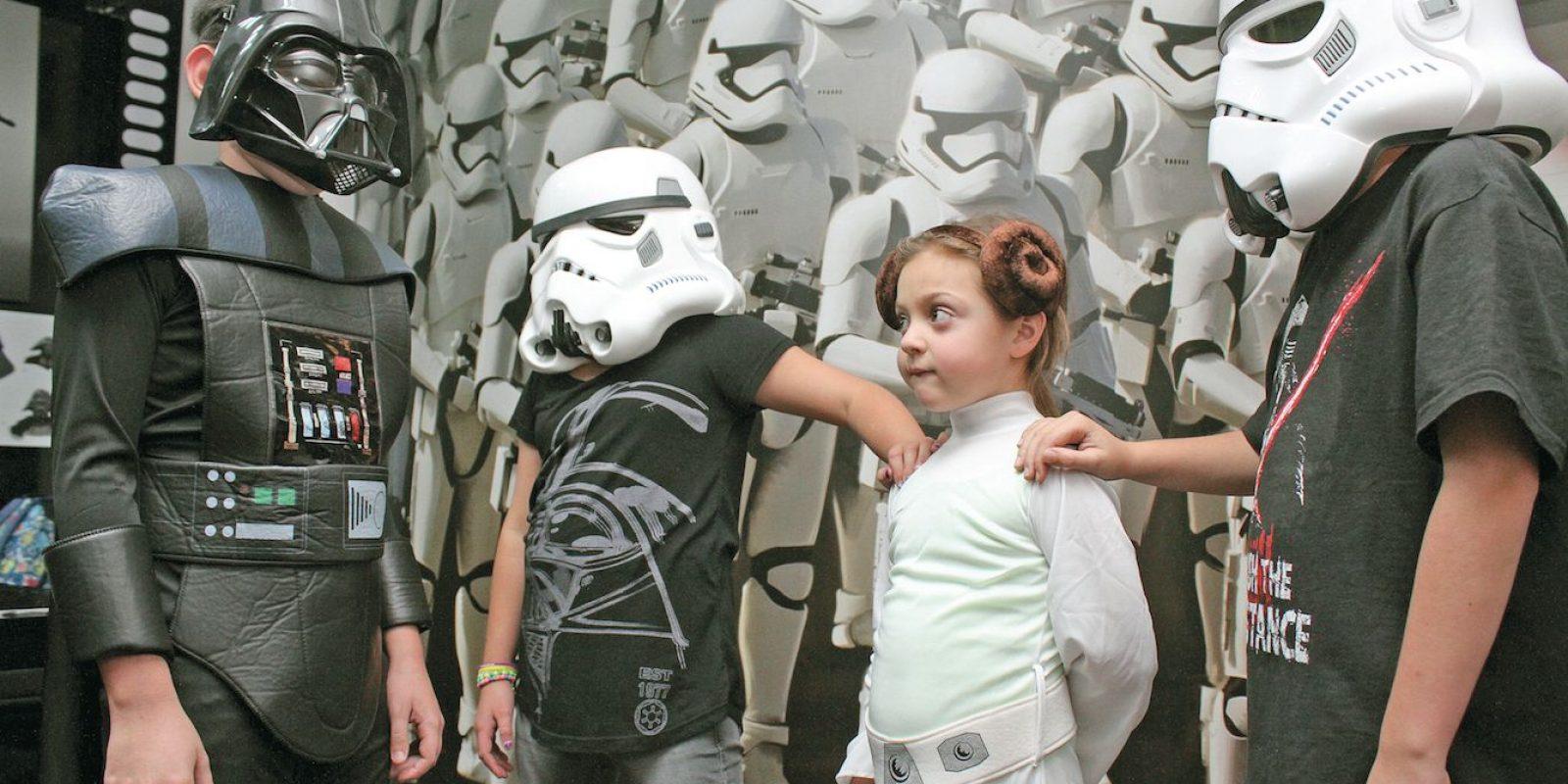 Ya sea que sean fans de los imponentes villanos del Imperio o los héroes de la rebelión, hay juguetes para todos.. Imagen Por: Nicolás Corte, Publimetro