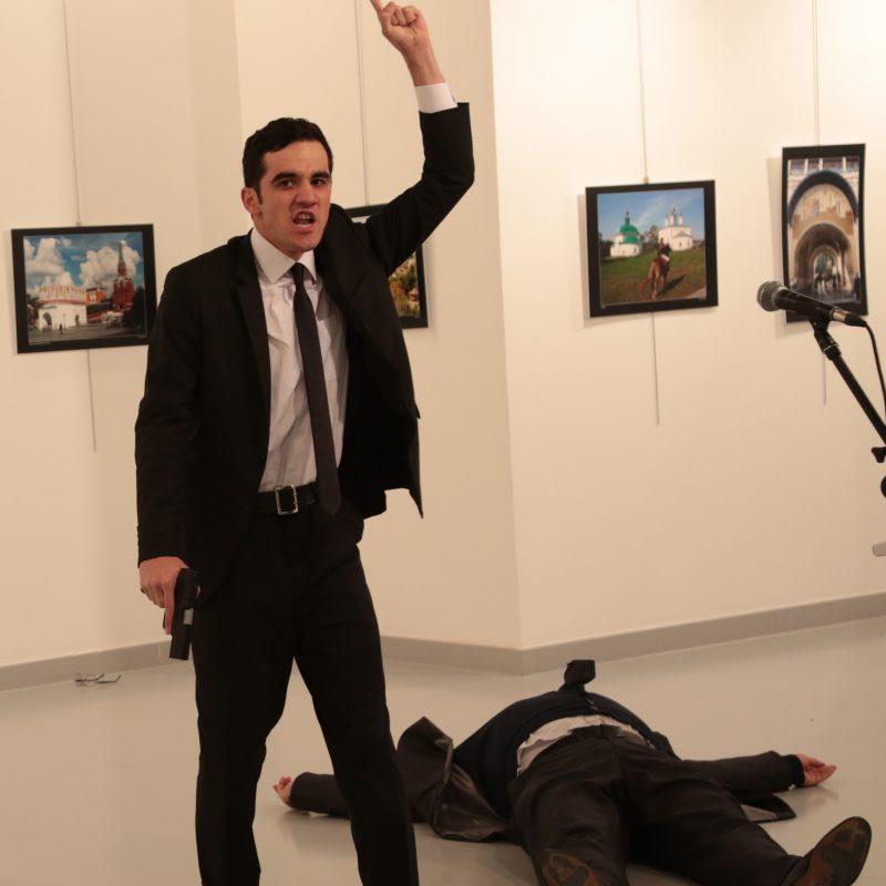 APTOPIX Turkey Russian Ambassador. Imagen Por: | Foto: AP