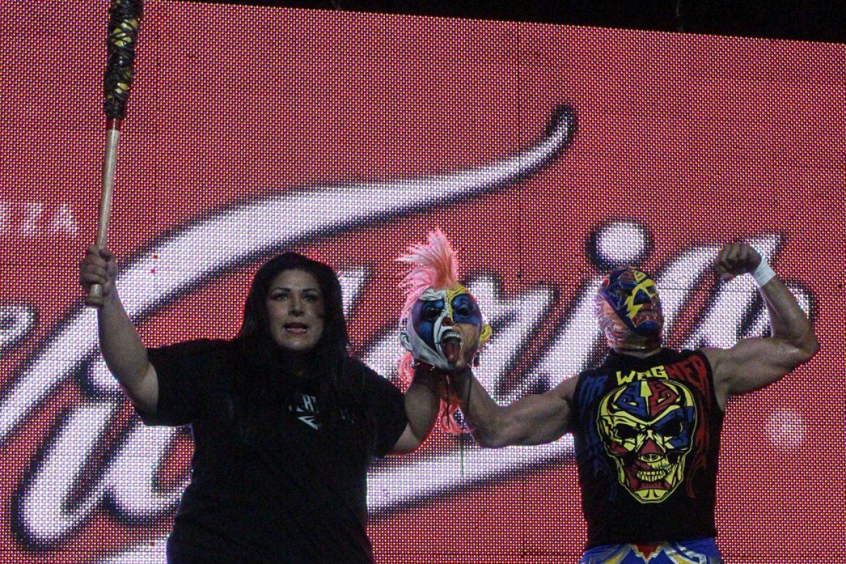 chilpancingo-171216-15. Imagen Por: ¡Traidora! Goya Kong atacó a su propio hermano Psycho Clown. / AAA