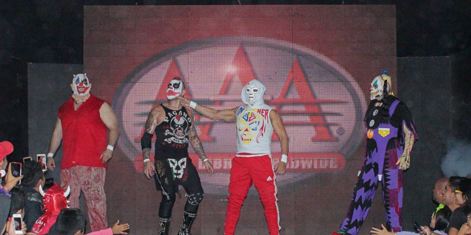 . Imagen Por: ¡Traidora! Goya Kong atacó a su propio hermano Psycho Clown. / AAA