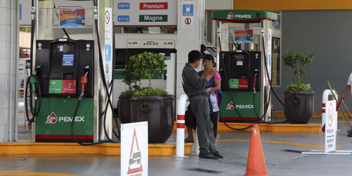 Pemex garantiza abasto de gasolina en todo México