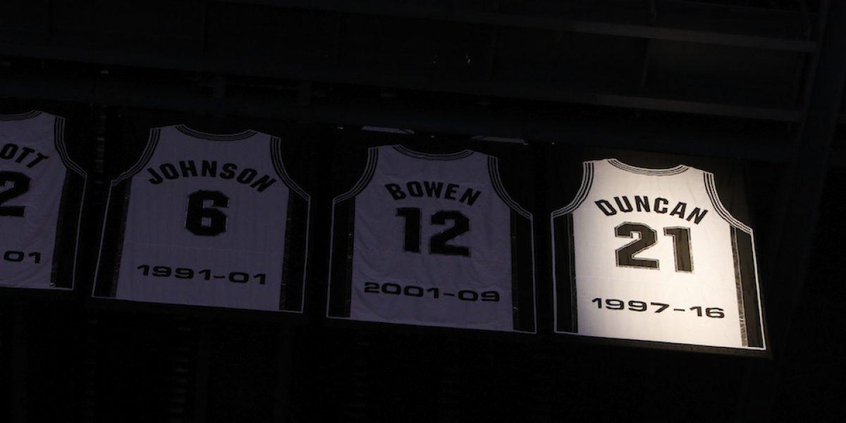 Spurs retiran el número del legendario Tim Duncan