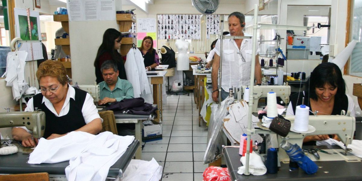 Empleo en sector manufacturero crece 2.6%: INEGI