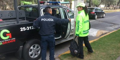 Policía de Naucalpan detiene a distribuidora de Publimetro. Imagen Por: | Foto: Publimetro