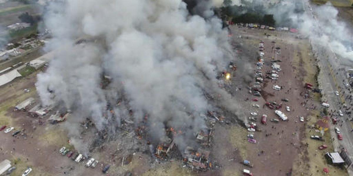 Michou y Mau traslada a Texas a tres niños quemados en Tultepec