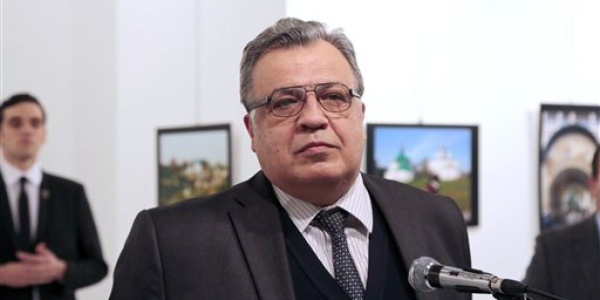 Difunden nuevo video del asesinato del embajador ruso