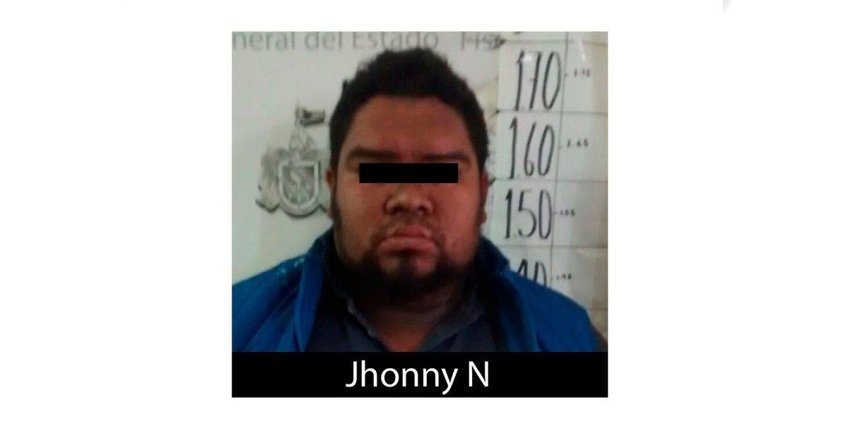 Policía y líder delictivo, detenidos por transportar 6 cuerpos en Jalisco