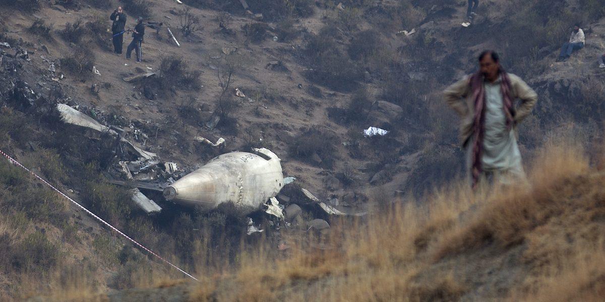 Después de trágico accidente, aerolínea sacrifica cabra para buena suerte