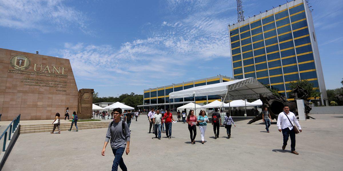 Fitch alerta sobre deuda en la Universidad Autónoma de Nuevo León