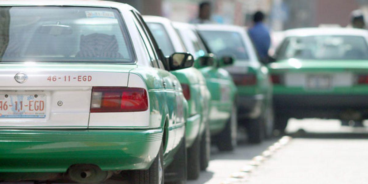 Detienen a regidor en Nuevo León tras conflicto de taxistas