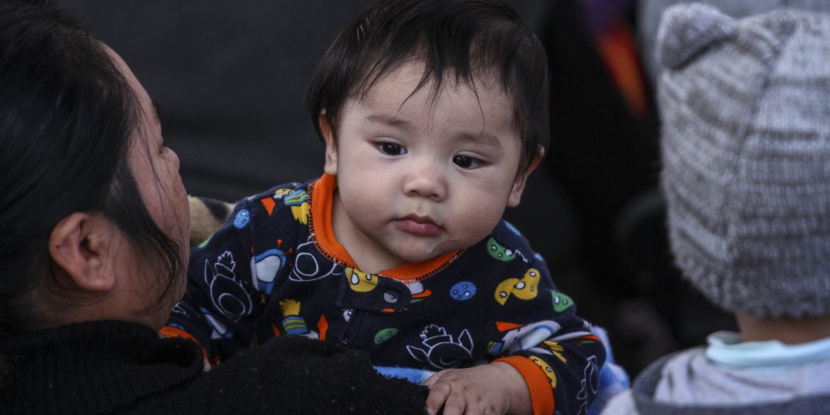 Bebés de un año recibirán 394 pesos mensuales