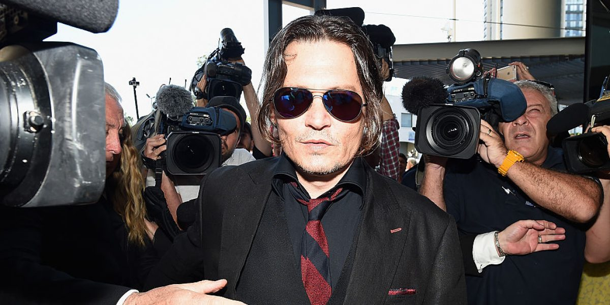 Johnny Depp exige 100 mil dólares a Amber Heard