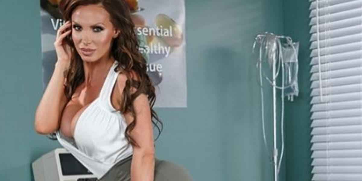 La actriz porno Nikki Benz denunció que fue violada durante una filmación