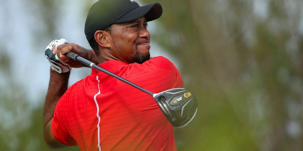 Tiger Woods sorprende con atractivo disfraz de Santa Claus