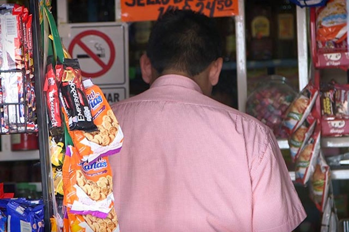 rpr3-1. Imagen Por: Si los repartidores se niegan a entregar la cuota les roban mercancía o los golpean. | Foto: UNO TV
