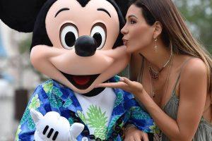 Paty Manterola publicó foto en topless para ganar seguidores en las redes. Imagen Por: Vía instagram.com/patriciamanterola/