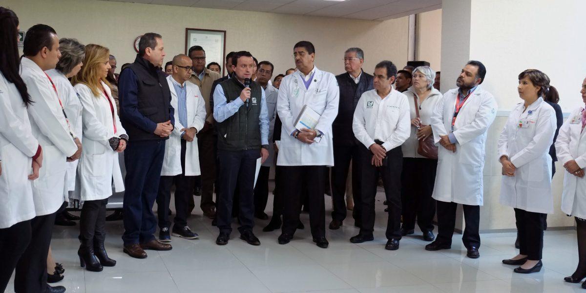 Autoridades visitan a los lesionados por explosión en Tultepec