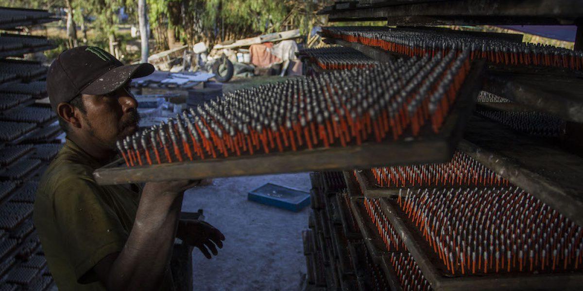 Aseguran dos toneladas de pirotecnia en Coahuila
