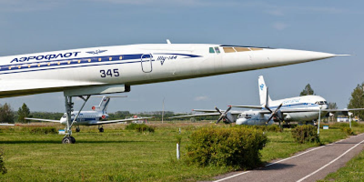 Desaparece avión militar ruso con 91 personas a bordo