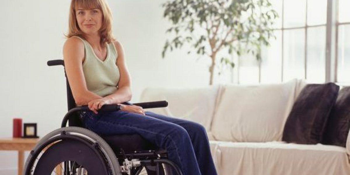 Personas con discapacidad podrían mover silla de ruedas con su cerebro