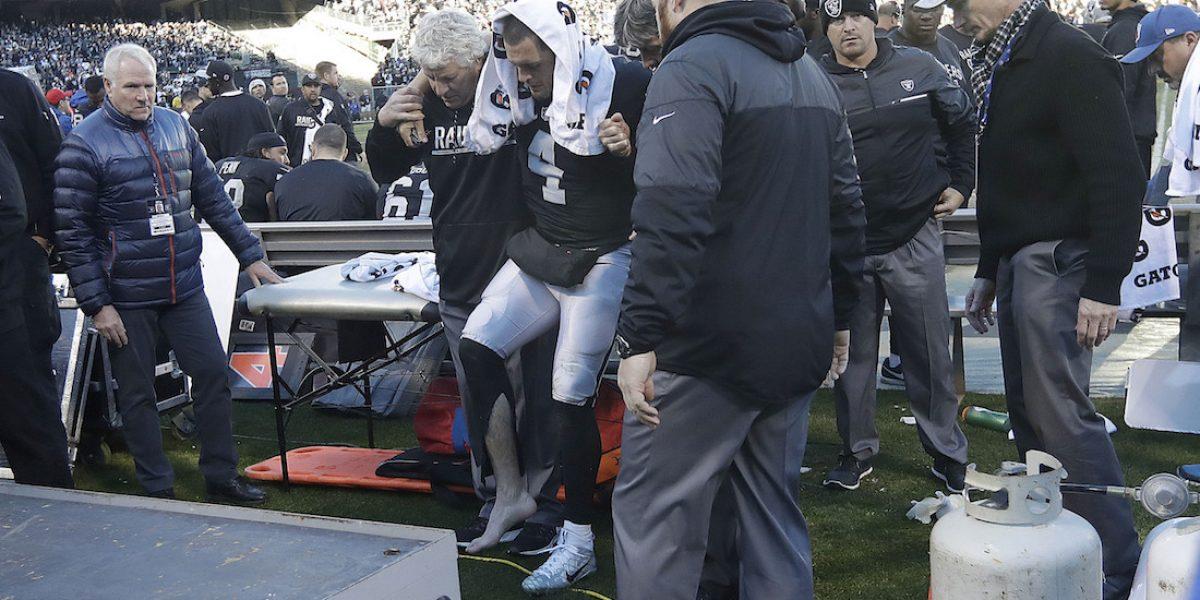 VIDEO: Así fue la fractura de Derek Carr, quarterback de los Raiders