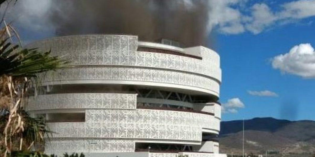 Oaxaca: Incendio amenazó con consumir el edificio del Poder Judicial