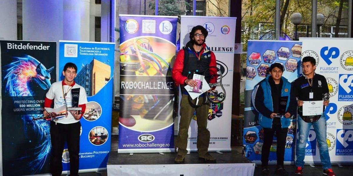 Jóvenes mexicanos ganan plata en el internacional RobotChallenge