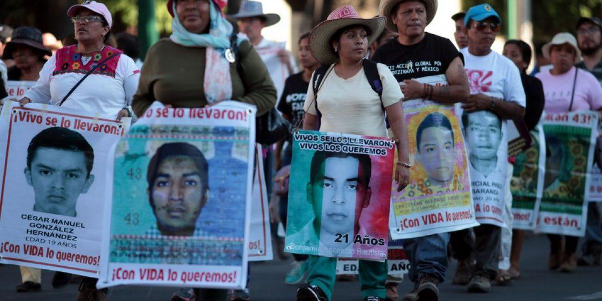 Ausencia de los 43 estudiantes de Ayotzinapa lleva caravana a la Basílica