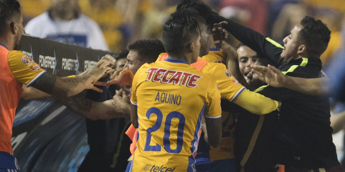 VIDEO: Se armó tremenda bronca en la Final Tigres vs. América