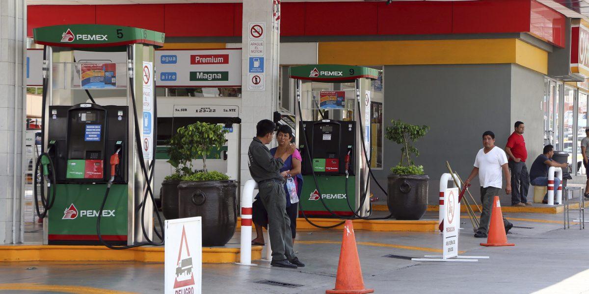 """Anuncia Hacienda """"gasolinazo"""" de hasta 20% para 2017"""