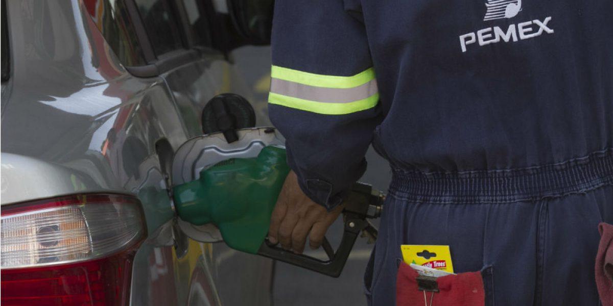 Será 2.73 pesos más barato llenar tanque de gasolina en Azcapotzalco