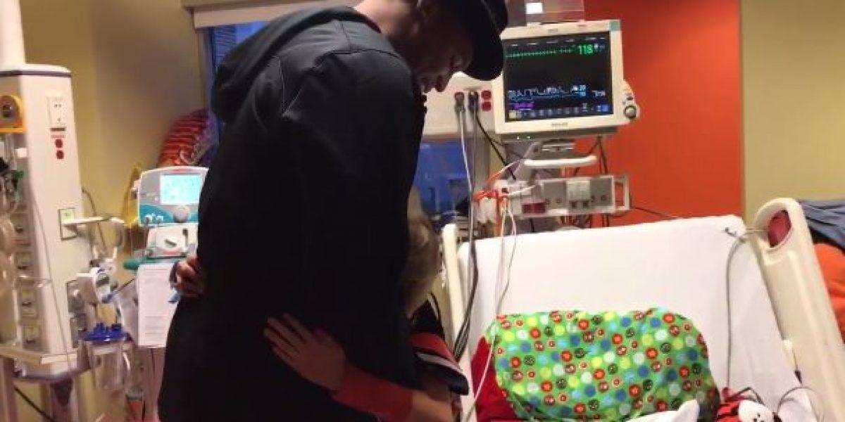 VIDEO: Cam Newton sorprende a niño enfermo del corazón
