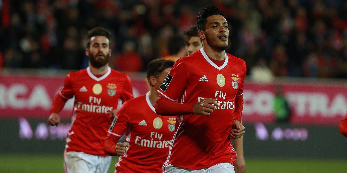 Futuro de Raúl Jiménez crea incertidumbre en el Benfica