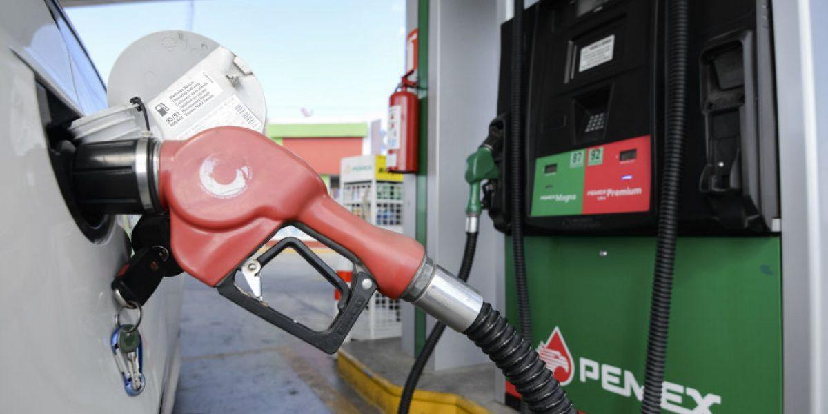 PRI, PAN y PRD aprobaron ley para subir precio de gasolina