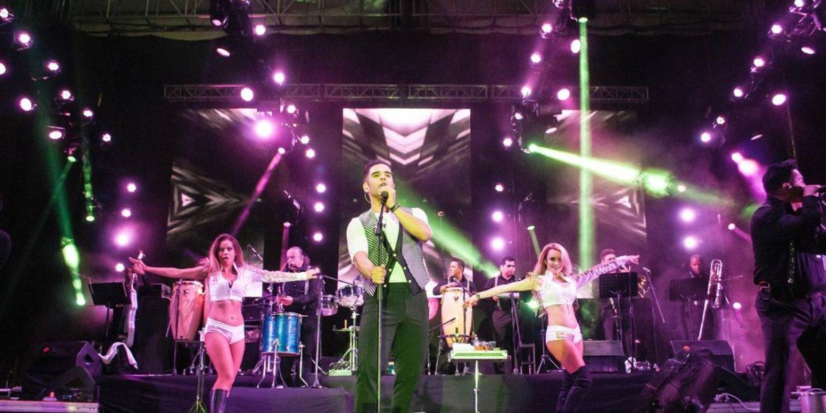 Grupo Cañaveral prende los ánimos en la Mega Ferial Imperial de Acapulco