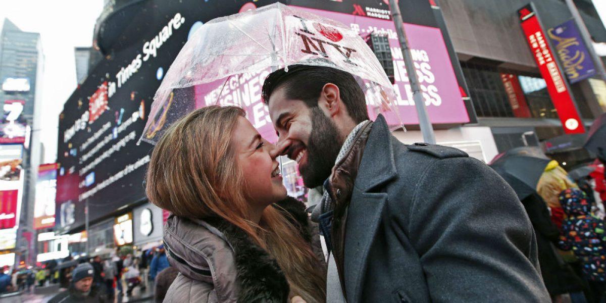 ¿Por qué da la vuelta al mundo la fotografía de una pareja de SLP?