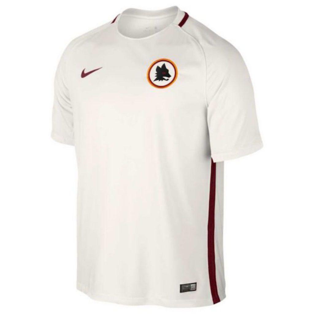 El equipo italiano se ha caracterizado en los últimos años por presentar  prendas elegantes y libres de publicidad. Este año destacó su segundo  uniforme. 43efc1e2fc942
