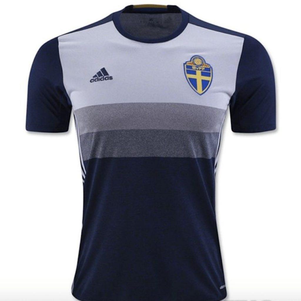 Los mejores 10 uniformes de futbol del 2016  27f1c546ae598
