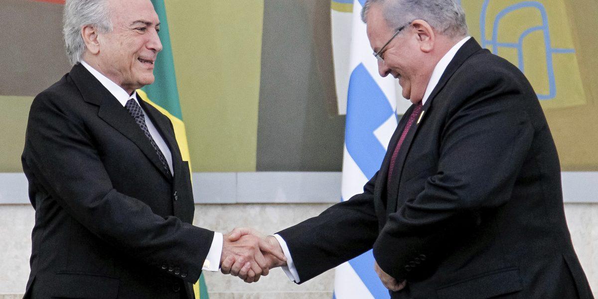 Investigan muerte de embajador griego en Brasil, posible crimen pasional