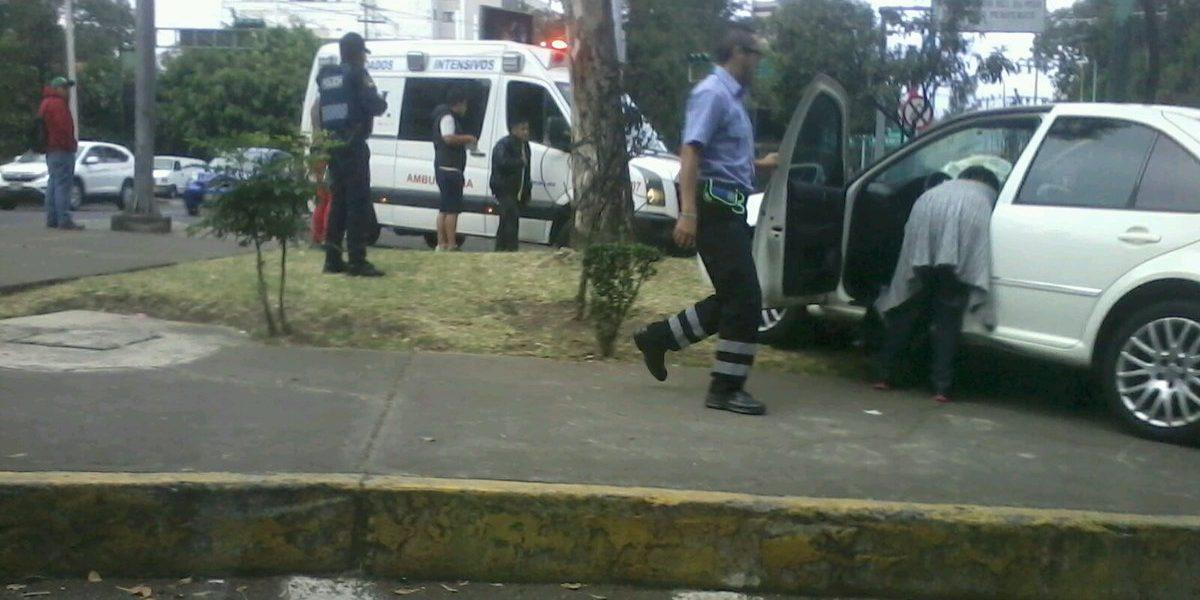 Muere mujer al chocar contra un árbol en Coyoacán