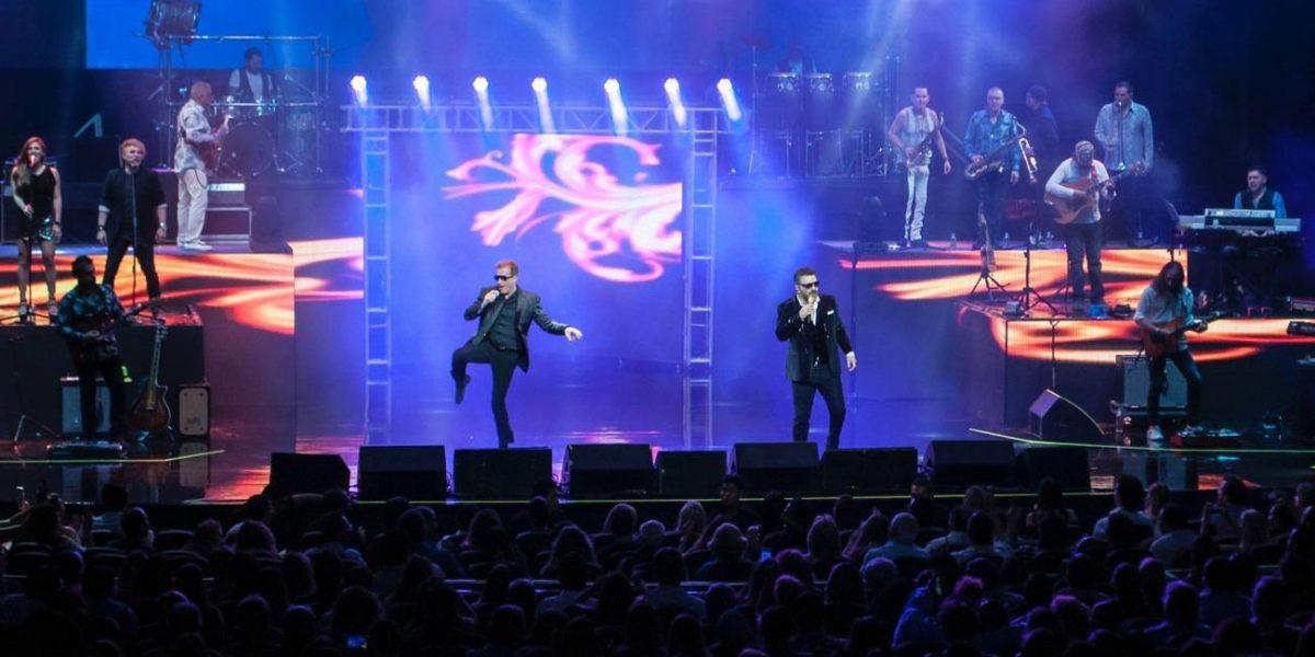 Emmanuel y Mijares reúnen a famosos en su show en Acapulco