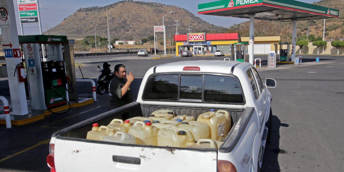 Pemex descarta desabasto de gasolina en el país