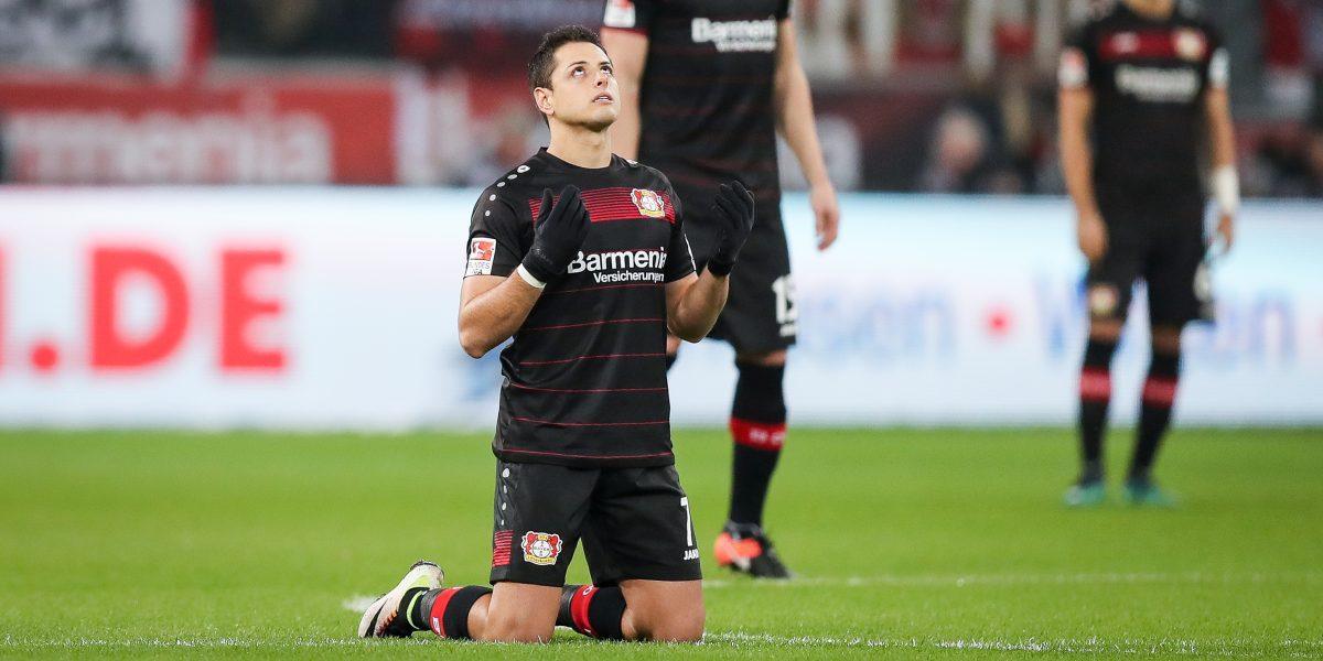 """Directiva del Bayer Leverkusen le pone presión al """"Chicharito"""" Hernández"""