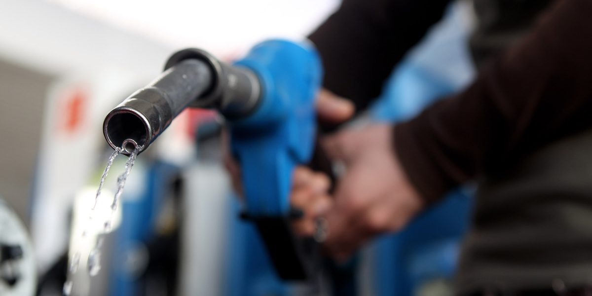 ¿Cuánto se paga de impuestos por la gasolina en el mundo?
