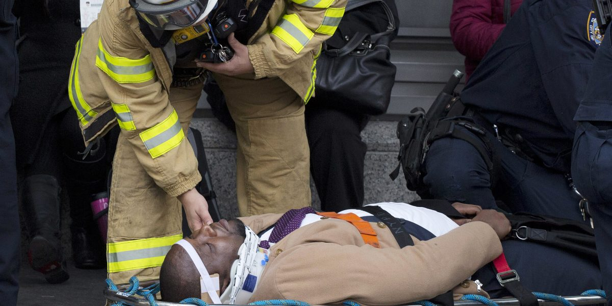 Accidente de tren en Nueva York deja más de 100 heridos