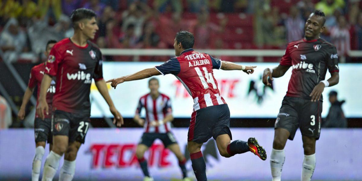 Atlas y Chivas a explotar sus ofensivas